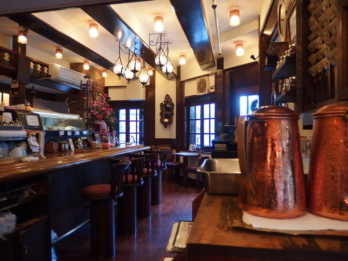 銀座・外堀通り沿いにある純喫茶「和蘭豆(ランズ)」は、どこか懐かしい気持ちを呼び起こしてくれる純喫茶。銀座の他に、蒲田や浅草にお店を構えています。