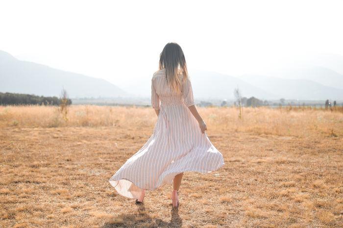 内面から輝く女性になる10個の習慣をご紹介しました。いかがでしたか?案外と日常生活で気軽に始められる、またはやっていることの延長線だったのではないでしょうか?これらの習慣を頭の中に入れて日常生活でやってみましょう。内面から輝く女性は実はあなたなのですから。