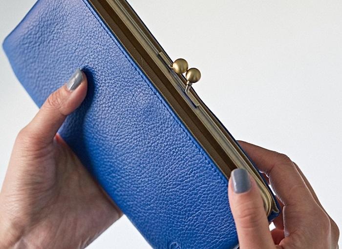 買い替えるのは春がおすすめ!今から永く使いたい『がま口財布』