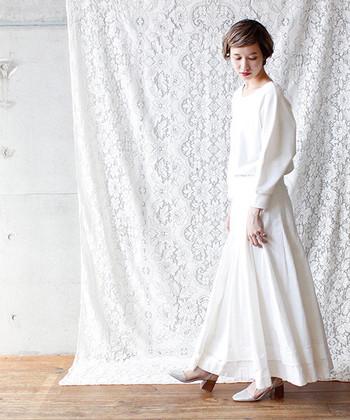 ロングスカートは、女性らしさや上品さをしっかりアピールできる好印象アイテム。スカートの色や合わせるアイテムで雰囲気が大きく変わるので、自分好みの合わせ方を探してみてくださいね♪