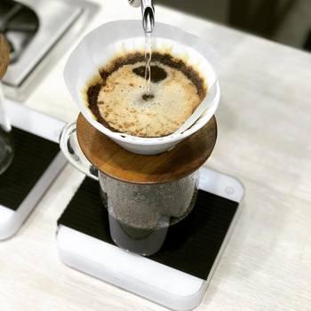 メニューはハンドドリップで淹れるコーヒーをはじめ、ラテ系のエスプレッソ、お茶などがラインナップ。