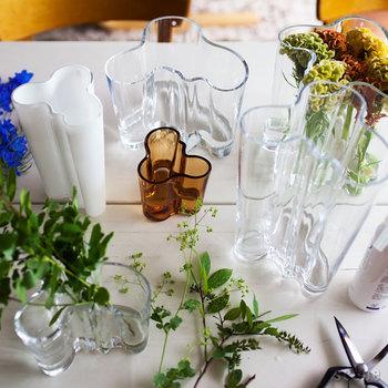アールトベースも不動の人気。花を美しく飾れるだけでなく、ただ置いておくだけでも素敵な名品です。