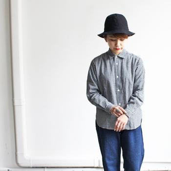 暖かい日が少しずつ増えて来ると、春の装いに心ときめく女性も多くなりますよね。春らしい服装をしたいけれど、新作のお洋服をたくさんは買えない……という方にぜひおすすめしたいのが、春仕様の帽子をチョイスすること。一点プラスするだけで季節感をプラスしてくれる、この春おすすめの帽子をタイプ別にご紹介します。
