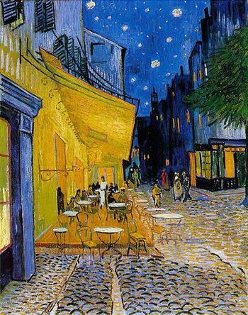 ゴッホが描いた「夜のカフェテラス」を描いた時から、100年以上の歳月が過ぎていますが、実際の風景とゴッホの絵を見比べてみましょう。