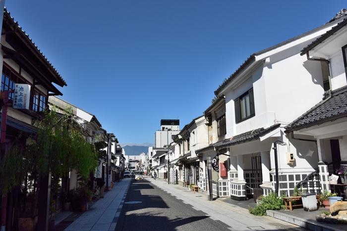 松本城を中心に広がる旧城下町も風情があり、まるでタイムスリップしたかのよう。