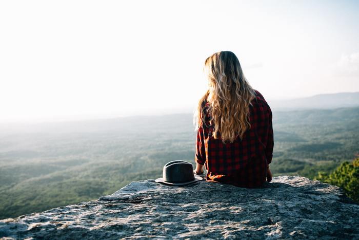 1つ1つの選択は、そこだけ見てしまうと失敗できない重大なものと捉えてしまいがちです。でも、思い通りにならないことはたくさんありますよね。生き方を広く捉えることができれば、後悔を納得して楽しみながら重ね、進んでいくことができるような気がしませんか?