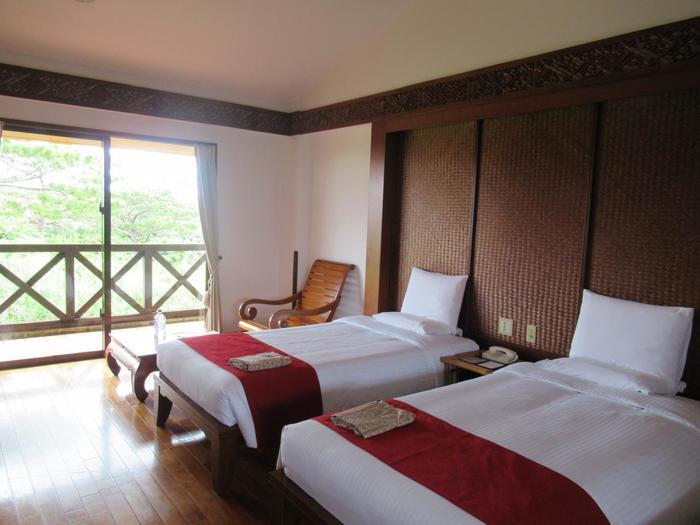 アマランダ小浜島と同系列のホテル ニラカナイ小浜島。アジアンテイストなつくりでリゾート気分をさらに盛り上げてくれるこちらのホテルは、家族旅行はもちろん、自由気ままな1人旅の方にもおすすめです。