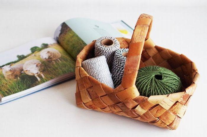 北欧雑貨といえば、自然をモチーフにしたり、天然素材をふんだんに使ったりと、見ても触ってもほっこりできるものばかり。ひとつはそばに置きたい、本場北欧生まれのアイテムをご紹介します。