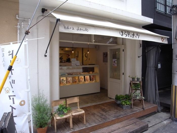 2008年に神戸で誕生した「はらドーナッツ」は、防腐剤や保存料を使用せず、豆乳とおからを使用した「美味しくて安心なドーナッツ」のお店です。