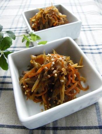 定番のきんぴらごぼうに、花椒粉をふっただけで、いつもとは違った中華風味のお惣菜に。辛みと爽やかさが加わり、きんぴらのおいしさ、新発見。