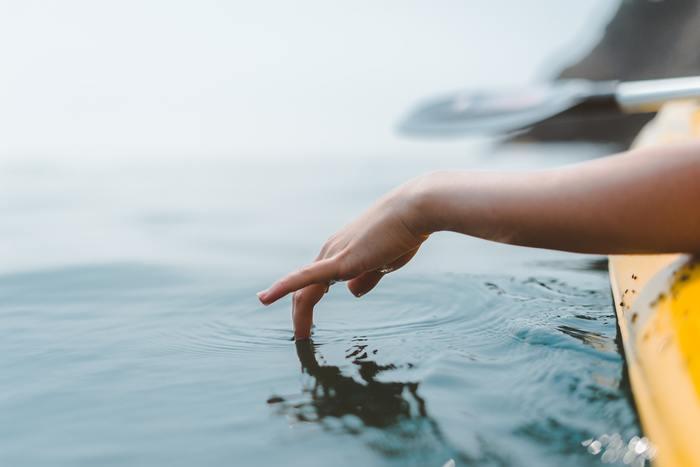 羨望や嫉妬の気持ちは、あまりにかけ離れているものに対しては生まれにくいものですが、「手に入りそう、でも持ってない」ものに対して生まれてきます。