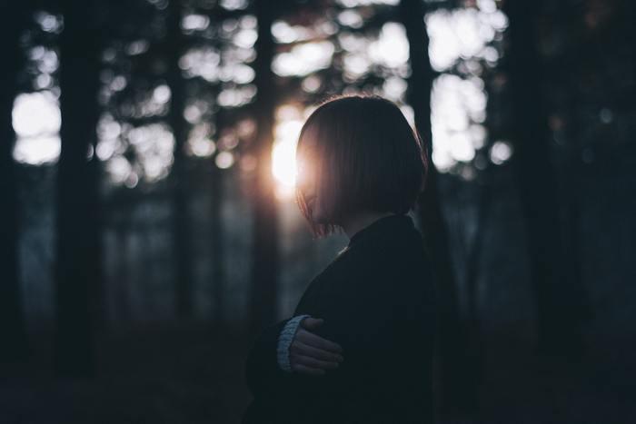 自分だって頑張ってるのに、という「頑張り」はあくまでも自分の中においての話です。「羨望や嫉妬してしまう相手」と自分を客観的に比較してみましょう。