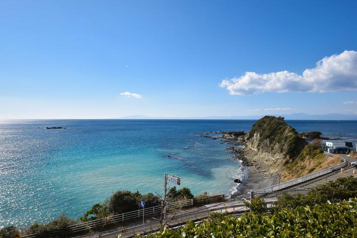 横須賀と葉山町の境界に位置する岬「長者ヶ崎」は、昔お金持ちが住んでいたそうですよ。