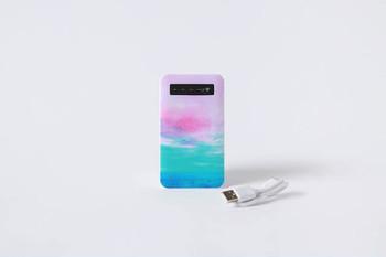 同じデザインのモバイルバッテリー。スマホと一緒に使うアイテムだから、デザインを揃えてみては?