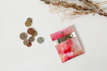 コンパクトなコインケースのデザインもあるので、気に入ったデザインをシリーズで使いたいですね。