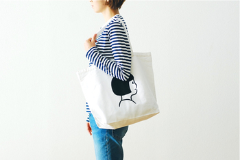 トートバッグもあるから、お揃いで揃えることも可能。程よい大きさで毎日使いにぴったりです。