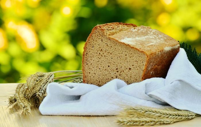 余り物のパンを美味しく食べるために作られたと言われています。 残ってしまって少し硬くなってしまっても、パンプディングなら美味しく食べられますよ。