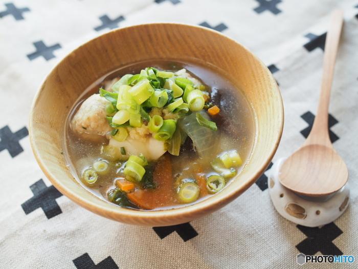 体を温めたい時や栄養をたくさん摂りたいときに、スープはとても食べやすいメニューですよね。