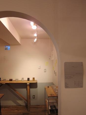 nitteのお店の奥にはフリースペースがあります。ここでは季節ものの手芸雑貨が販売されたり、作家さんたちの作品展やワークショップなどが随時開催されています。