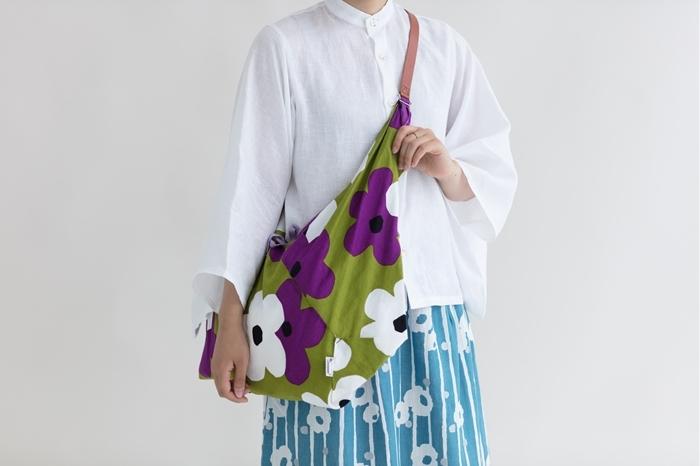 いかがでしたか? 様々な柄・種類があるのでどれにしようか迷ってしまいますね。 可愛いだけじゃなく、便利な和製のバッグたち。新しいバッグをお探しの方は、是非参考に選んでみてくださいね♪