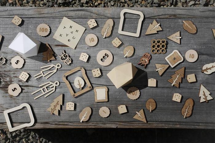 「Sukima.」(スキマ)は、広島にて設立された「toys like interior」(インテリアのようなおもちゃ)をコンセプトにした雑貨店。毎日使って愉しい日用品、長く使える木のおもちゃ、自分で使っても、贈ってもうれしくなるアイテムを紹介しています。