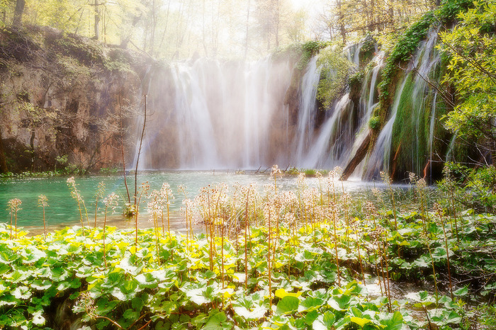 ヨーロッパには、紹介した12スポット以外にも素晴らしい絶景が堪能できる場所がたくさんあります。気が遠くなるほどに時間をかけて、自然がつくり出した奇跡のような造形美に魅了されてみませんか。