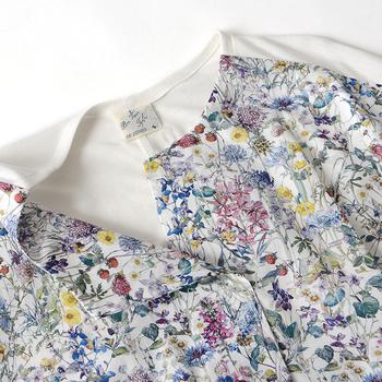 着こなしのマンネリにも効く花柄アイテム。コーディネートにポンと投入するだけで、華やかさと季節感を両方同時に叶えてくれます。気になるものがあればさっそく詳しくチェックして、春のワードローブに取り入れてみてくださいね!