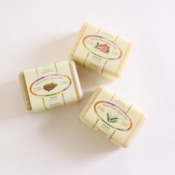 日本の手作りもいいけれど、フランスの香り漂うフレグランス石けんも気分転換にはうってつけ。