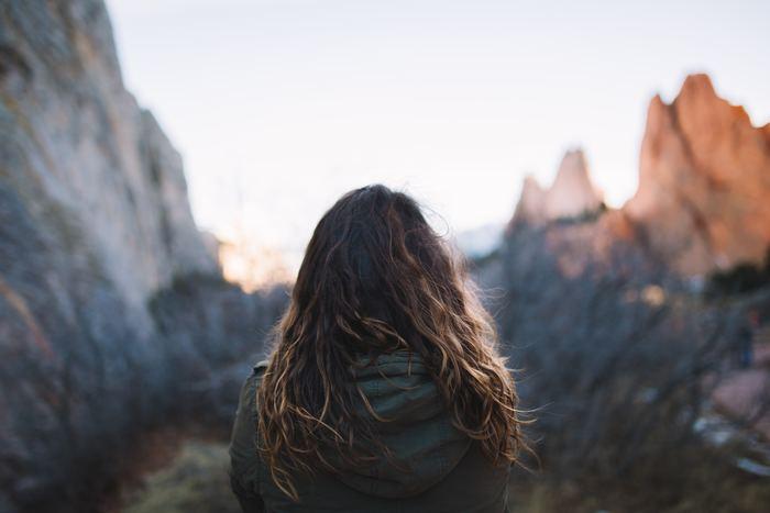 生きづらさを感じていませんか?ストレスの多い現代社会では、人間関係がうまくいかなかったり、物事がうまくいかなかったりすることも多いですよね。そんな生きづらさを感じるメカニズムを正しく理解し、もっと心軽やかになる方法をお伝えします。