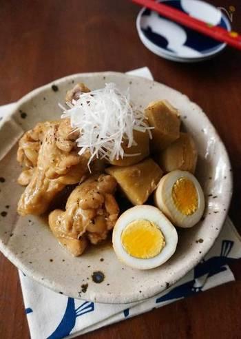 鶏肉と里芋は、相性抜群。ポピュラーな組み合わせですが、オイスターソースを加えることで、いつもとは違う濃厚風味に。こんな煮物もたまにはいいですね。