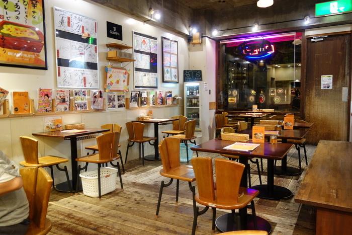「ベアーフルーツ」は福岡の門司港にあるカレー屋さん。ここでは門司港の名物グルメ「焼きカレー」を食べることができます。