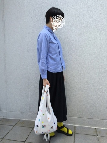 """台湾全域に点在する先住民族の精神性の高い、豊かな文化に触れたことがきっかけで服を作りはじめた台湾の服飾デザイナー""""ヂェン・ホェヂョン""""さん。素材にこだわった心地良い「ヂェン先生の日常着」を揃えてみませんか?"""