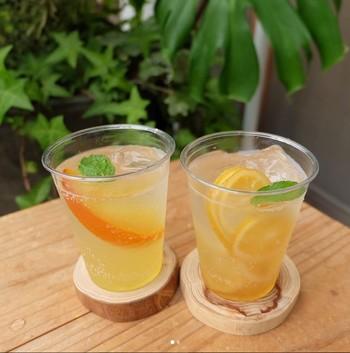 ヨヨギgarageでは、ジンジャーエールやはちみつレモネードなどのオリジナルドリンクも販売しています。暑い日はスカッとさわやかなソーダ、寒い日にはホットでいかがでしょう。飲めば元気になれそうです。