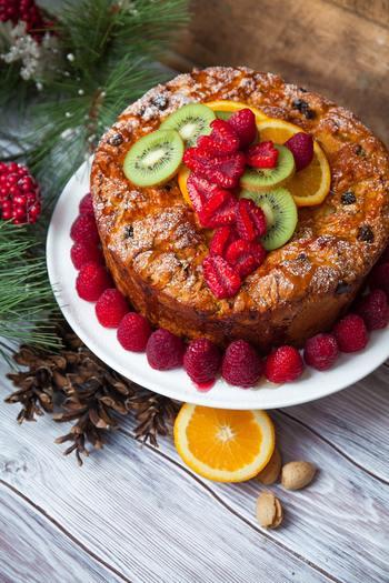 ①ケーキ作りに一度挫折した人もまたお菓子作りにトライできる。 ②友達や彼、家族への手作りプレゼントにも喜ばれる。 ③経済的でヘルシーな素材を使える。 ④洗い物が最小限で済んで楽。 ⑤工程もシンプルなので、子どもと一緒に作って楽しめる。