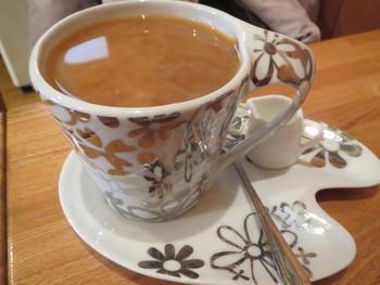 """たっぷりと入れられたコーヒーは「どうぞごゆっくり」という店主のメッセージ!?明るくキレイでゆったり落ち着くことのできるので""""とっておきの喫茶店""""として利用している人も多いのでは。"""