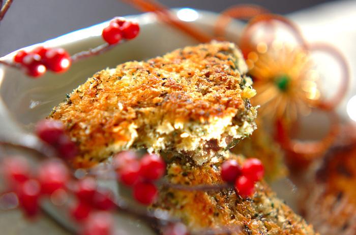 香草をパン粉に混ぜて、たっぷりつけて焼くだけの簡単レシピ。いつもの調理法に少し飽きたら、食感も変えて楽しんでみてください。お弁当にもよさそうですね。