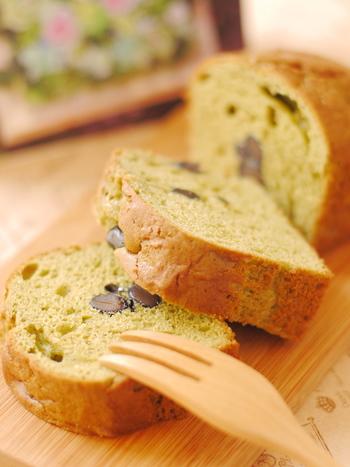 現在はよりヘルシーに、バターやお砂糖の量を減らしたり、ベーキングパウダーを使った軽い食感のパウンドケーキも人気があります。