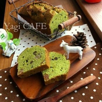 緑がきれいな抹茶のパウンドケーキ。しっとりとした生地に甘納豆が食感のアクセントになります。