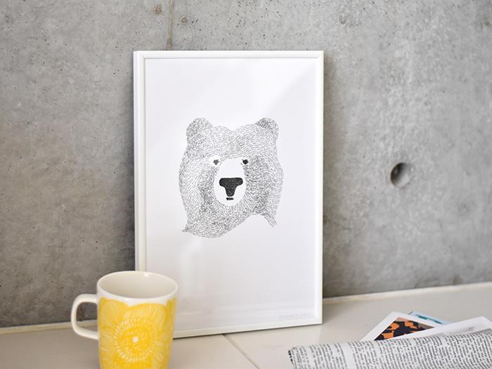イギリスのイラストレーター「Kerry Layton(ケリー・レイトン)」が、2010年に設立したブランド「SEVENTY TREE(セブンティ・ツリー)」。個性あふれる動物たちのデザインが人気で、北欧テイストのインテリアにも合わせやすいモノトーンカラ―が魅力的です。