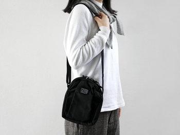 暖かくなってお出かけが楽しくなる季節。大きなバッグはちょっと邪魔に感じませんか?アウトドアやピクニック・・・これからの季節には身軽なミニショルダーで軽快にお出かけを楽しみましょう。