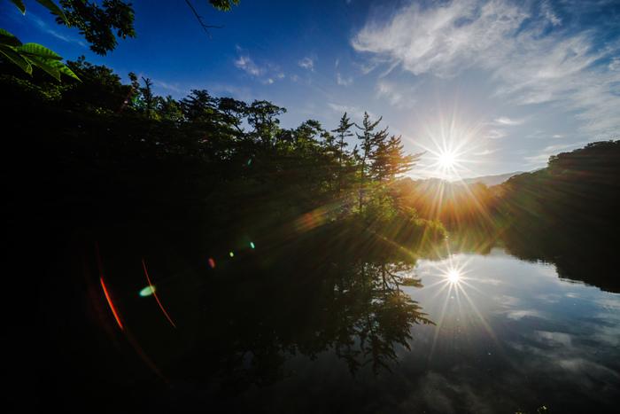 形成時は、33の湖沼群があると推察されている十二湖ですが、偶然にも湖面積が1万平方メートルを超える湖が12個となっているのは、大自然がもたらしたイタズラのようです。
