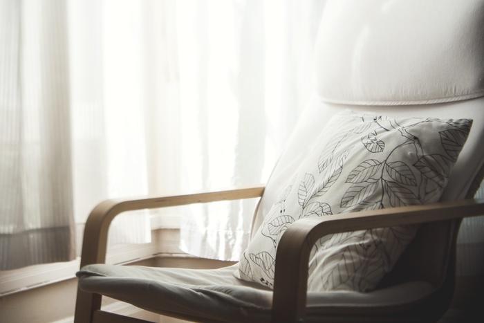 どんな椅子がお好きですか?温かみが感じられる木目調の椅子やモダンでスタイリッシュな椅子、ゆったり座れる椅子、インテリアとして飾っておけるデザイン性の高い椅子…。椅子といっても、さまざまな素材やデザインがあるものです。今回はそんな椅子が主役になるようなお部屋をご紹介します。長年使う「相棒」だからこそ、こだわりの椅子を選びたいですね。