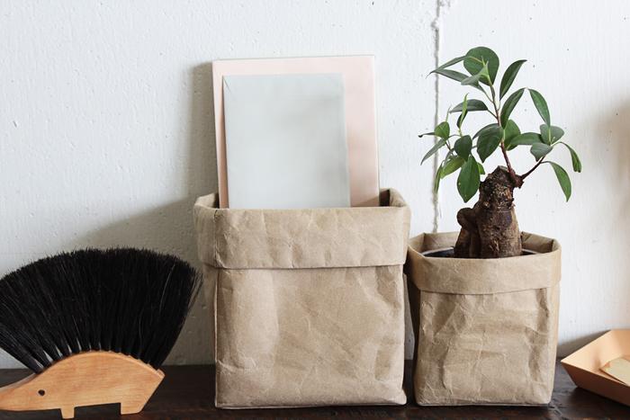 他にも和紙ならではの独特な質感や素朴な表情も魅力的。耐久性にも優れており、軽くて使い心地も抜群で落ち着くと、最近は和紙のアイテムを暮らしの中に取り入れる方も多いそう。