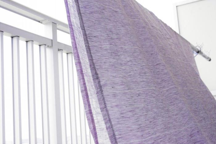 これからの季節におすすめのリネンやコットンは、肌触りの良さだけでなく、扱いやすいうえに畳むとコンパクトに収納できる魅力的な生地です。大判サイズの布でも洗って乾きやすいというメリットが◎