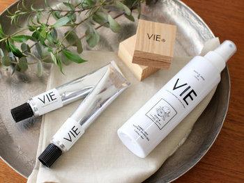 フランス語で「生活」や「人生」を表す『VIE(ヴィー)』。皆に自由で多様な生活を送ってほしい、そんな願いからブランド名が付けられました。日本/東京をベースに国内生産にこだわり、天然の香りや精油を用いた素敵なプロダクトを提案しています。