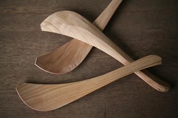 長野県松本市にて、高品質で独創的な木の生活道具を製作している「大久保ハウス木工舎」。