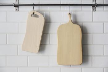取っ手部分をフックにつるして乾かせば衛生的ですし、収納場所も取らず便利です。