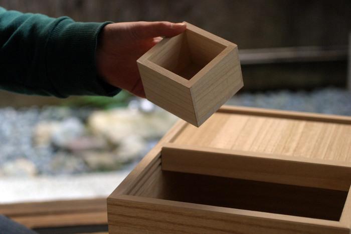 桐製の一合枡がセットになっているから、届いたらすぐに使えますね。高い品質と機能性で、長く愛用できそうです。