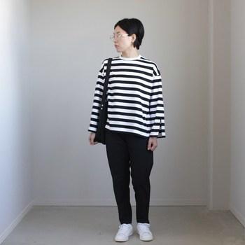 年齢や性別を問わず愛されるボーダーシャツは、クローゼットの中に揃えておきたい1着です。