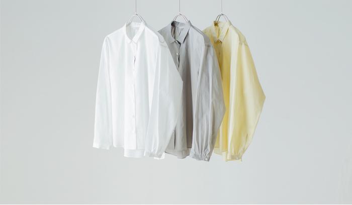 シンプルなデザインは、時代に捉われる事がないので長く愛せる1着となります。着るたびに風合いが出るような良い品質のアイテムを選べば、唯一無二の存在となってくれます。
